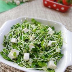 香椿苗拌嫩豆腐的做法[图]