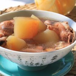 木瓜猪皮鸡爪汤的做法[图]
