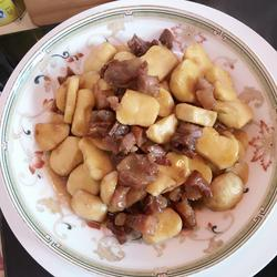 慈菇焖腊肉
