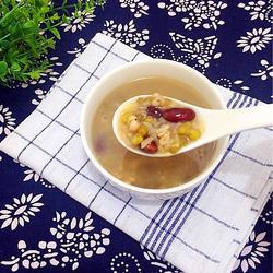 红豆薏米水的做法[图]