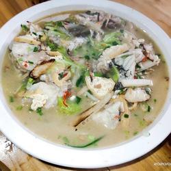 酸辣草鱼汤的做法[图]